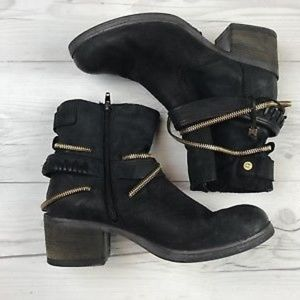 Steve Madden Ankle Booties SZ 8.5 Gold Chain Black